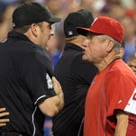 Larry Bowa not happy with Hansel Robles' quick pitch