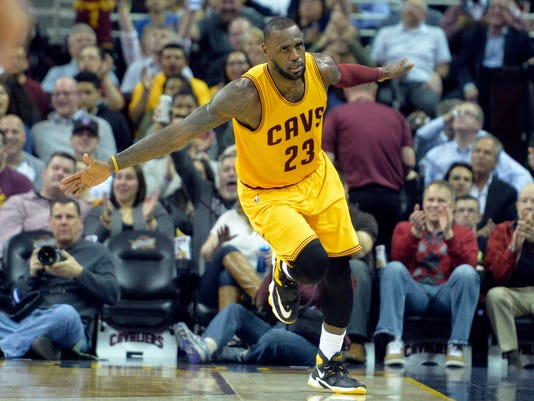 LeBron James moves into 12th on all-time scoring list in Cavs victory