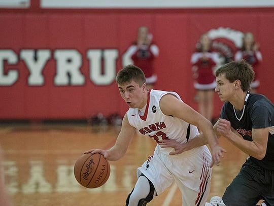 Kade Slagle led the team with 3.9 assists per game last year.
