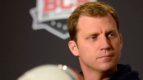 Auburn offensive coordinator Rhett Lashlee has left the Tigers program to take the same position at the University of Connecticut.