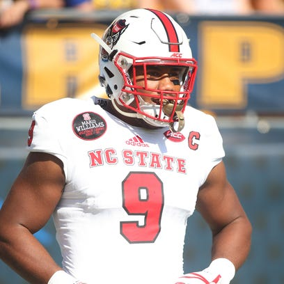 North Carolina State defensive end Bradley Chubb (9)