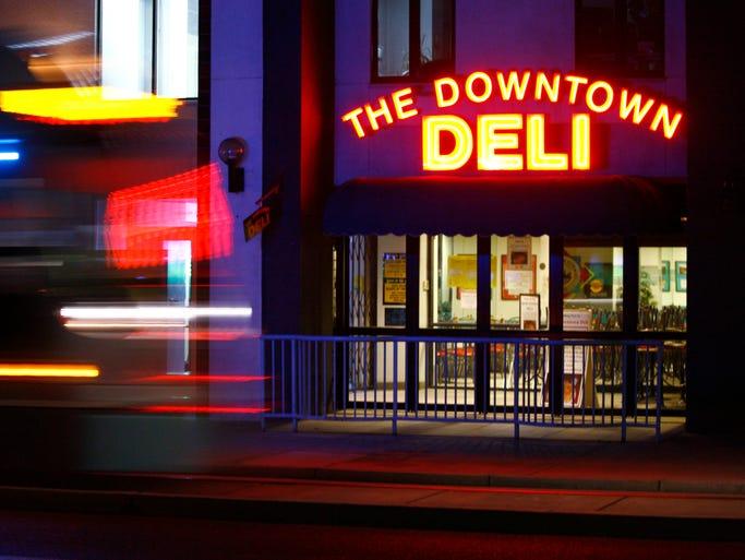 20 restaurants that deliver in metro phoenix. Black Bedroom Furniture Sets. Home Design Ideas