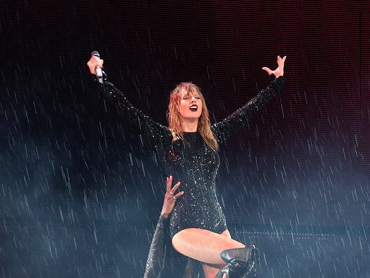 """Taylor Swift closed her """"Reputation"""" tour in Japan"""