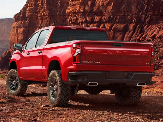 The Chevrolet name returns to the tailgate of the Silverado