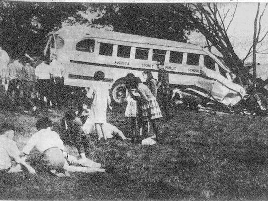 636457368056853652-Bus-crash-pic-2-10-17-67.jpg