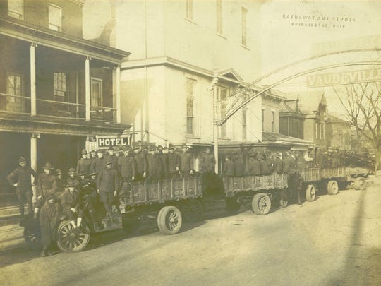 Camp Sherman soldiers at the Majestic Theatre in Chillicothe, 1917.