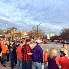 Championship parade draws 30,000 to downtown Clemson