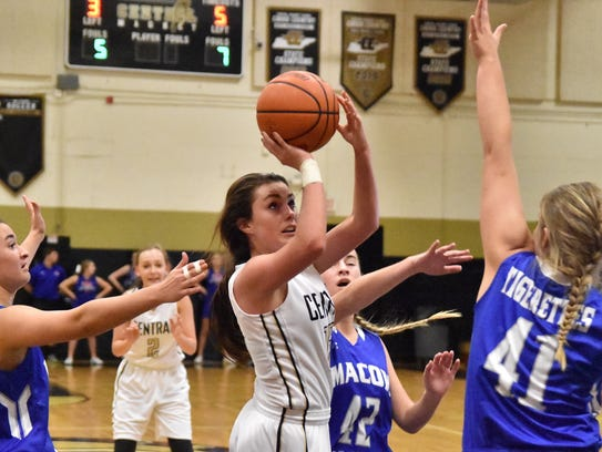 Central Magnet's Maddie Sandman scored 17 points against