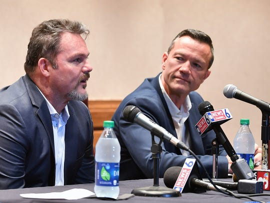 Bill Davidson (left) discussed wide-ranging topics Saturday night about the Force's hockey situation. Troy Mick is shown at right.