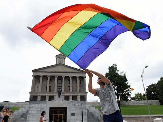 IMG_gaymarriage-02_1_1_9LB6NDCI.jpg_20150627.jpg