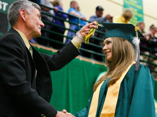-CMR Graduation 8.jpg_20110530.jpg