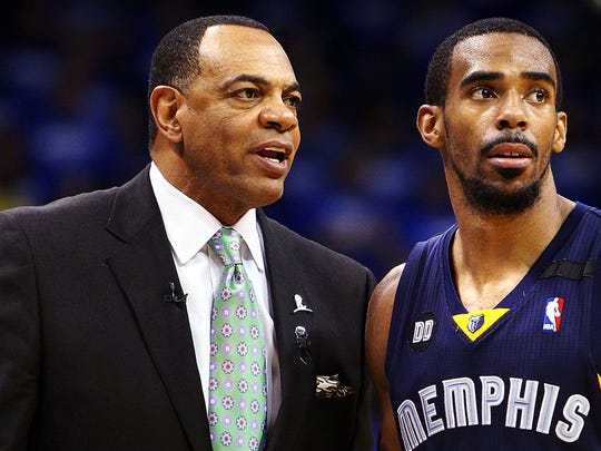 May 5, 2013 -  Memphis Grizzlies head coach Lionel Hollins talks with Memphis Grizzlies guard Mike Conley (11) at Oklahoma City. (Nikki Boertman/The Commercial Appeal)