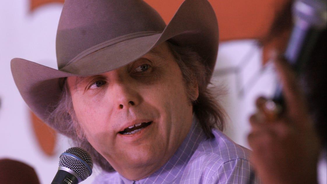 Dwight Yoakam reflects on 27 years since 'Guitars, Cadillacs'