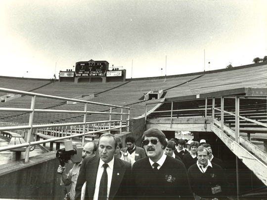 Coach Hayden Fry and his team tour the stadium during the 1986 Rose Bowl trip.