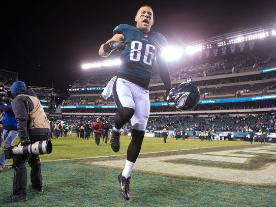 Eagles tight end Zach Ertz celebrates after defeating