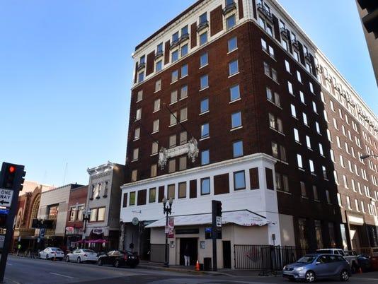 636320083887644155-Farragut-Hotel.JPG