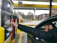 Hertz to speed rentals with airport-like scanners