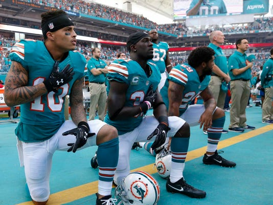 Anthem_Policy-Dolphins_Football_44725.jpg