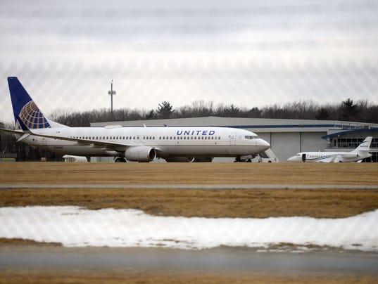 United off runway Austin Straubel