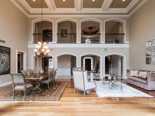 House Envy Bloomfield Twp Homes Luxury Extends To Butlers Pantry