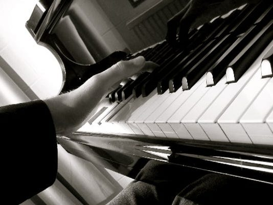 6-piano.JPG