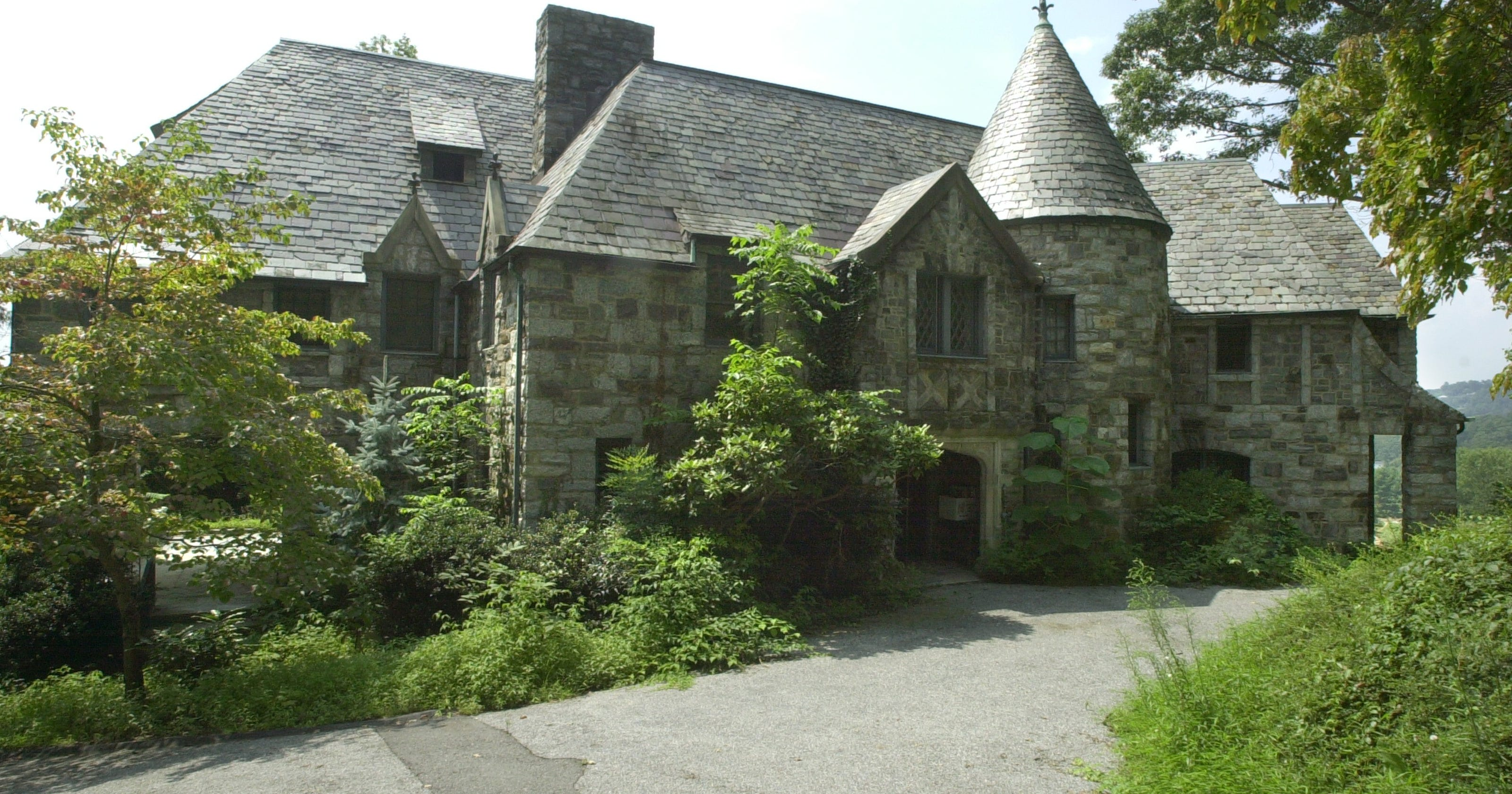 Answer Man: No plans for historic Bynum house? New Verizon?