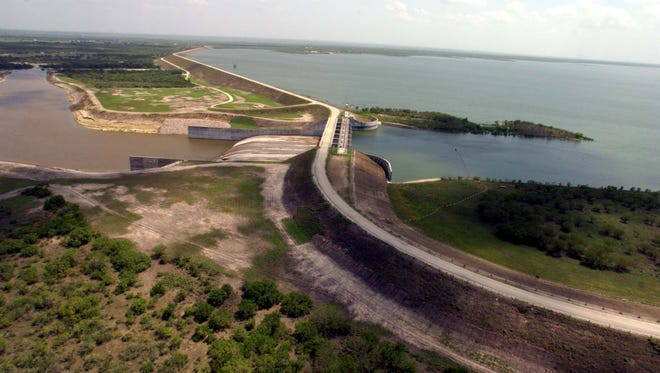 Choke Canyon Dam across the Frio River was completed in 1982 to create Choke Canyon Reservoir.