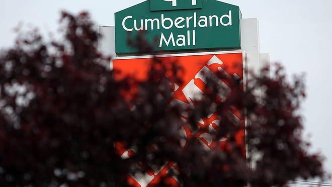 Cumberland Mall .