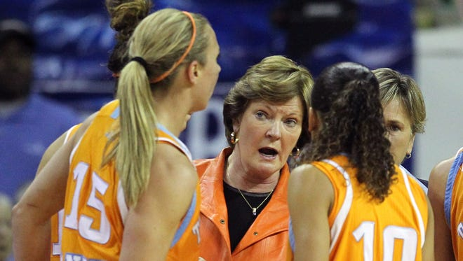 Former Tennessee coach Pat Summitt with her team during a December 2010 game vs. Baylor.