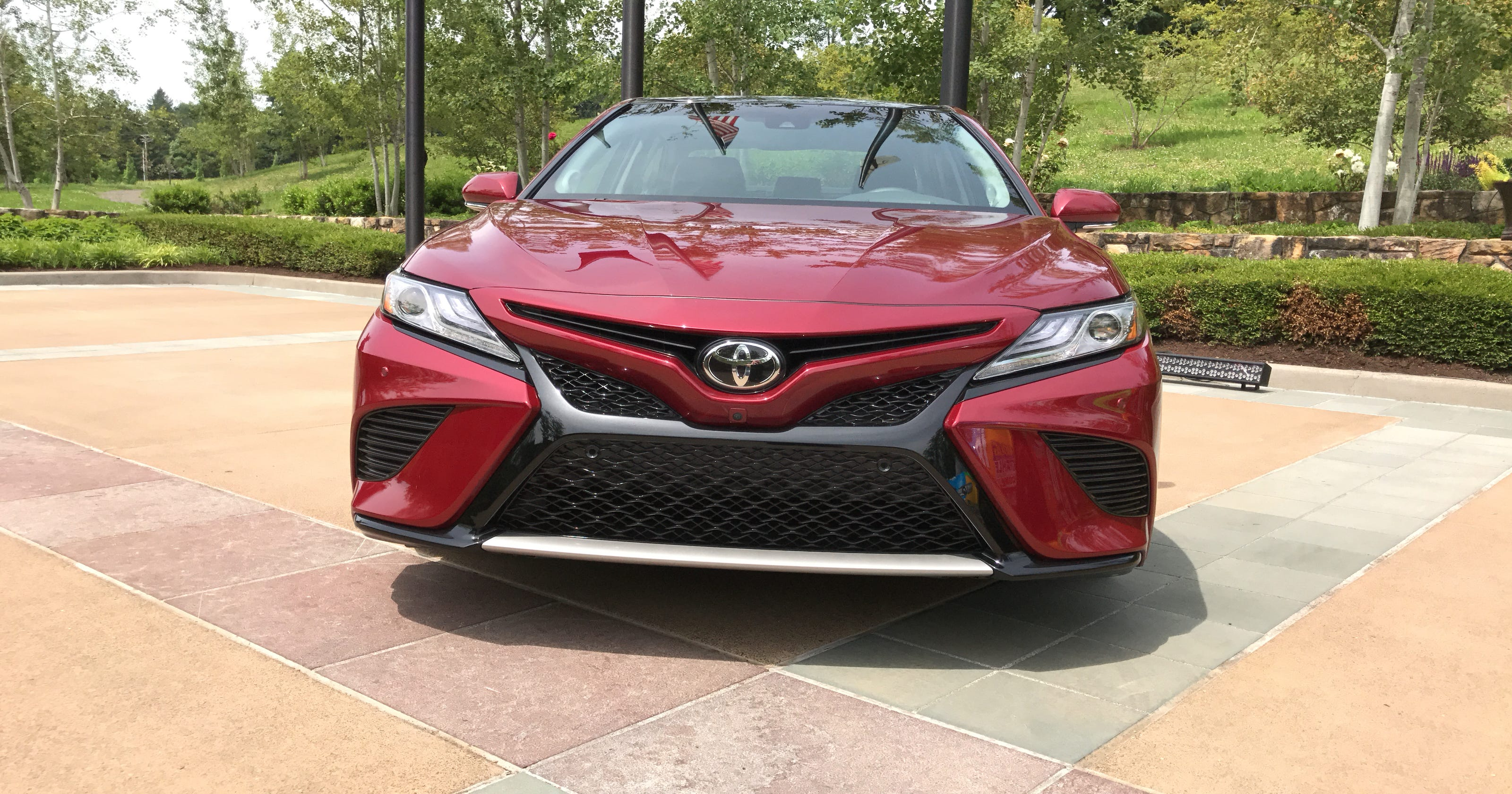 First Drive 2018 Toyota Camry Boasts Fuel Economy Safety Features Style