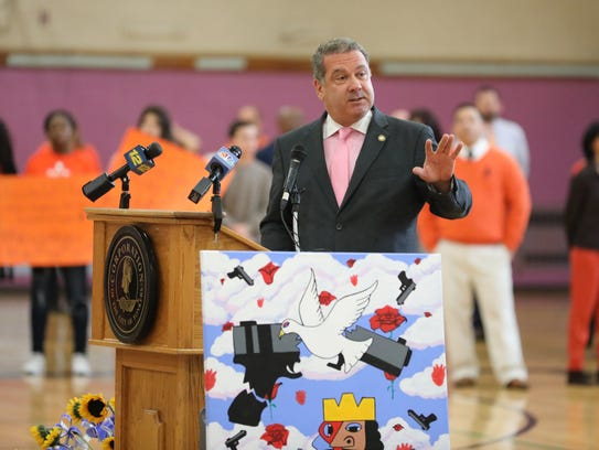 Yonkers Mayor Mike Spano joins students at Lincoln