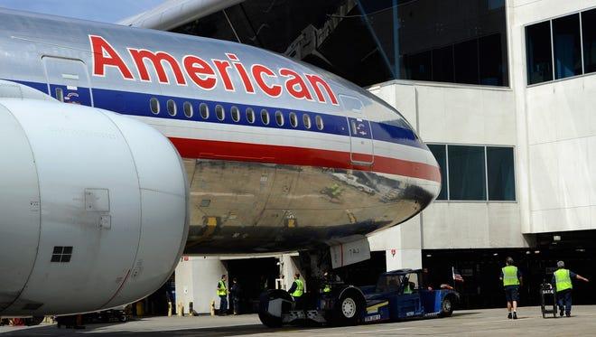American Airlines ha cancelado decenas de vuelos Phoenix-Florida, por huracán Matthew.