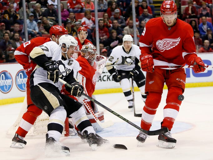 Detroit Red Wings' Anthony Mantha (39) blocks the puck