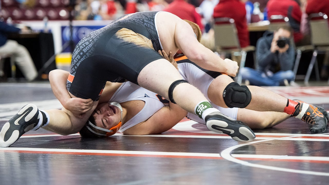 Watch: Four York-Adams wrestlers make quarterfinals