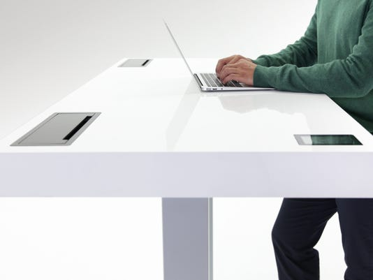 Digital_Life_Review_Smart_Desk_3.jpg