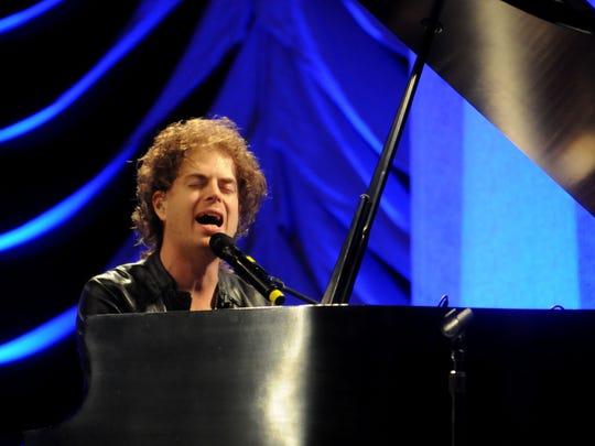 """Scott MacIntyre, seen in 2012, competed on """"American Idol"""" in 2009."""