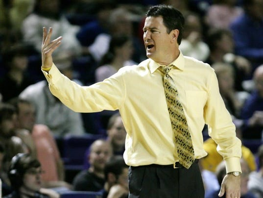 sanderson-scott-coach