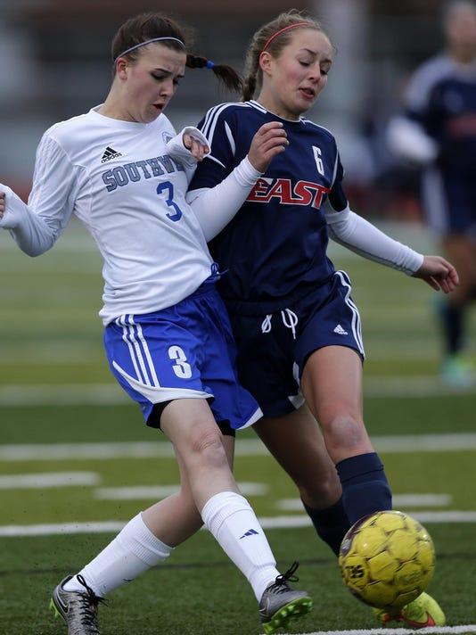 GPG ES GBSW vs. Appleton East soccer 4.11.16