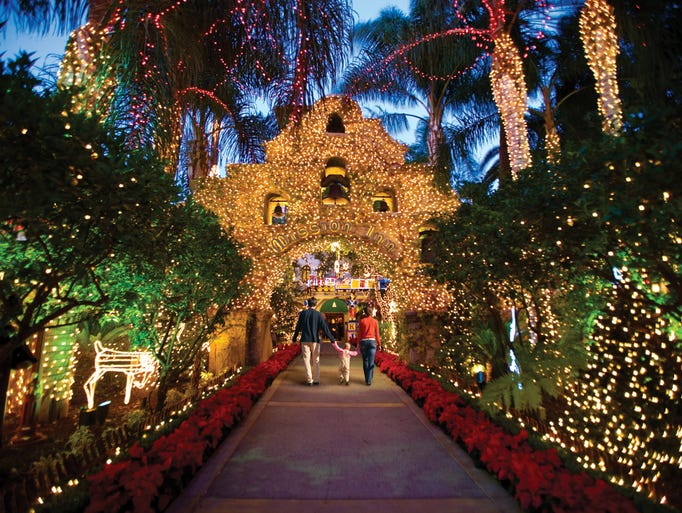 10Best Readersu0026#39; Choice: Best Public Holiday Lights Display