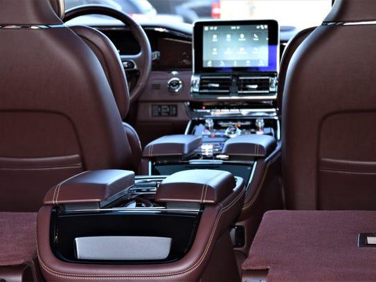 Lincoln Navigator armrests.