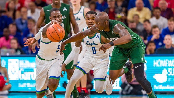 Defending champ FGCU could run away with the ASUN regular-season title if the Eagles can get a win at second-place Jacksonville on Saturday night.