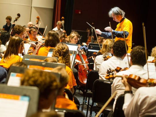 More than 2,100 local students in third through fifth grades perform concert with members of the Acadiana Symphony Orchestra. Link Up is a national program from Carnegie Hall that pairs local orchestras with students in their areas.