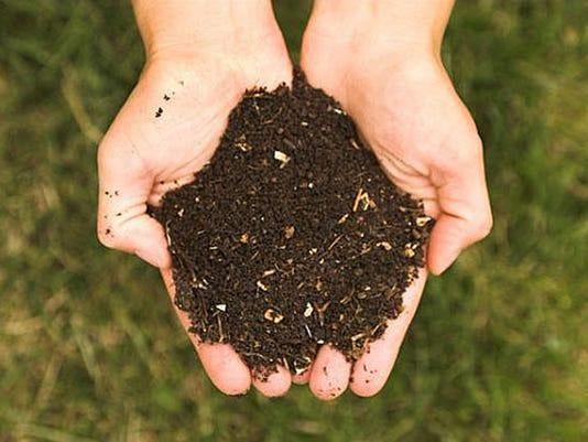 636263075869114312-compost.jpg