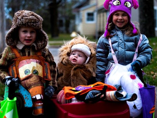 trick or treat hours in stevens point area 2018