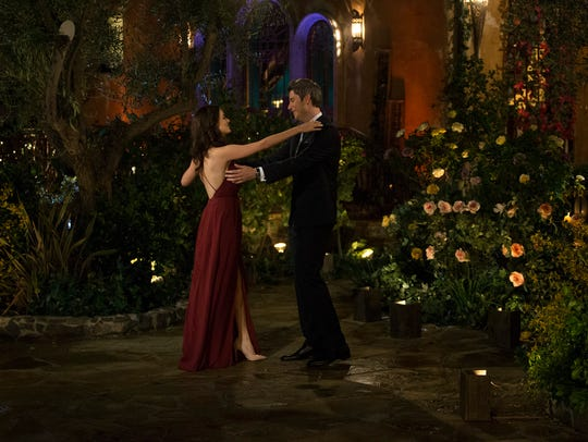 Arie Luyendyk Jr. meets contestant Jacqueline Trumball,