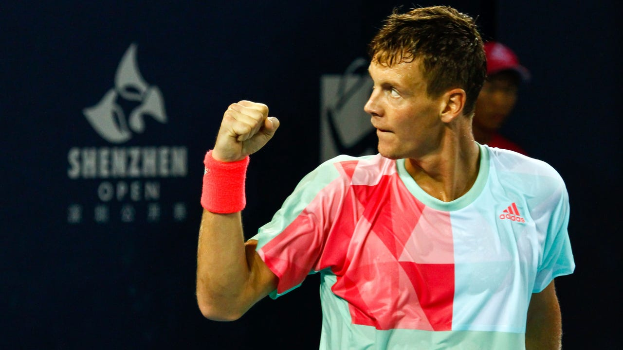 Tomas Berdych retained the title after beating Richard Gasquet.