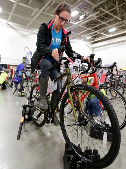 standalone bike  01 ofx nws wood