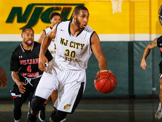 NJCU's Sam Toney dribbles against William Paterson.