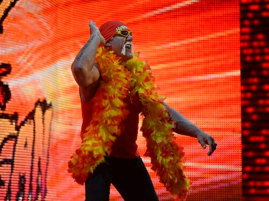 -ES_GPG_WWE Monday Night RAW_2.24.140235.jpg_20140224.jpg
