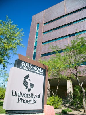 Fewer students enrolled at the University of Phoenix, one reason for the quarterly loss at parent Apollo Education Group.
